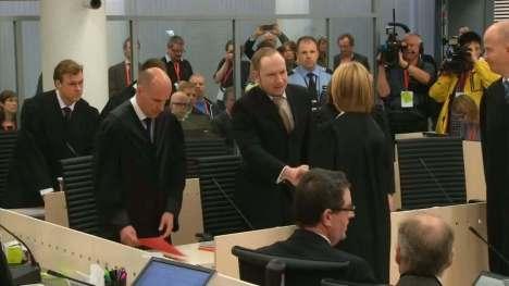 دست دادن قضات نروژی با متهم به قتل دهها نوجوان (قبل از شروع محاکمه)