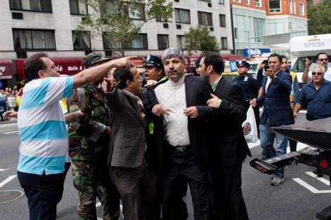 رامین مهمان پرست مورد حمله ایرانیان قرار گرفت
